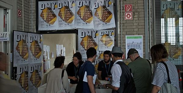 DMY_2013_Hangar2